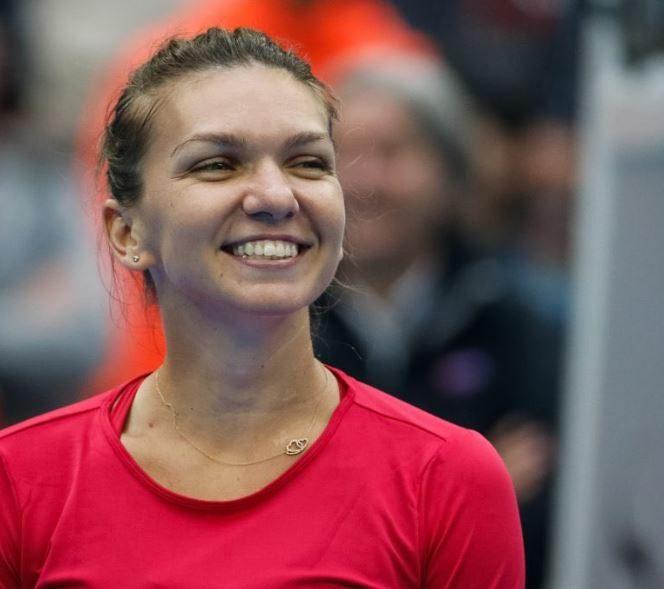 Simona Halep își păstrează zâmbetul, chiar dacă rivalele o depășesc la nivel de venituri