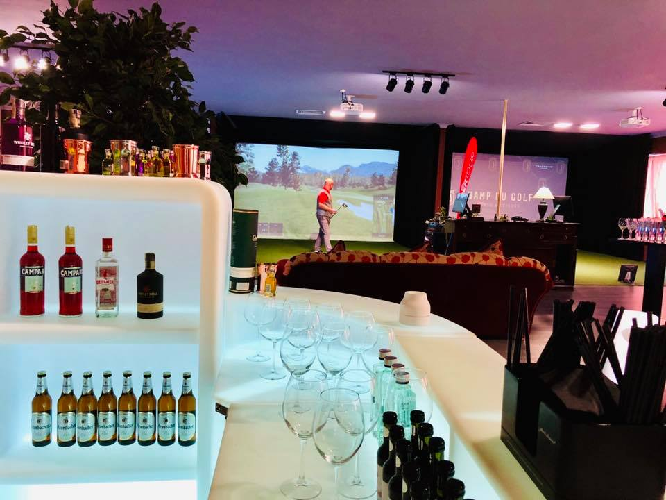 Champ du Golf a sărbătorit un an de existență printr-o mega-petrecere care a șinut de la ora 10 până spte miezul nopții, cu golg, băuturi fine și delicatețuri culinare