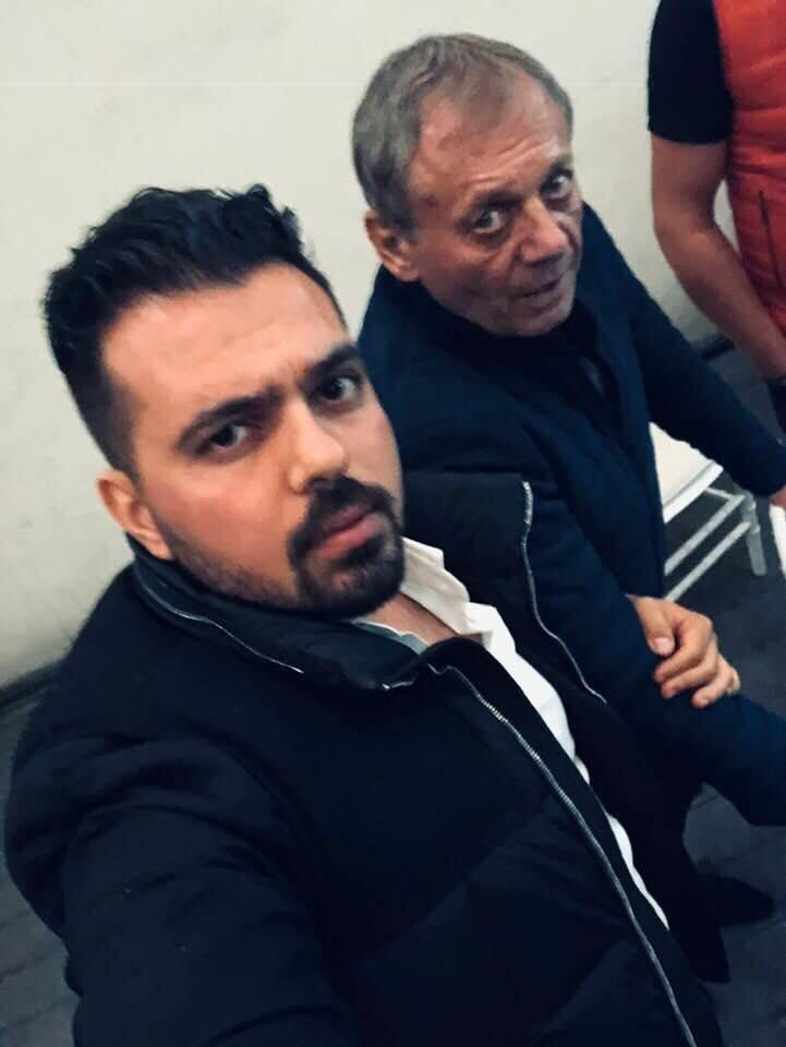 Ilie Balaci alături de un prieten în seara de 20 octombrie. Fotografie realizată într-un club din Craiova