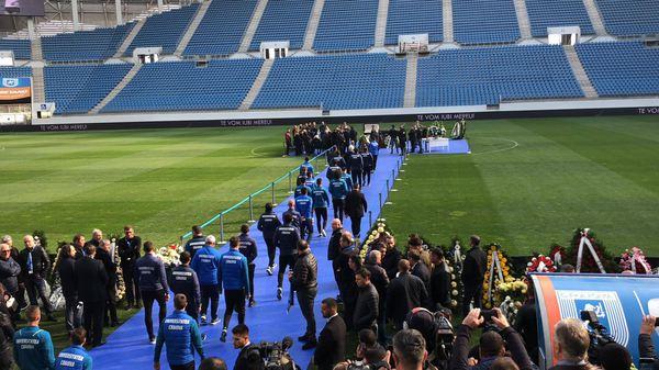 Jucătorii echipei Universitatea Craiova la stadionul