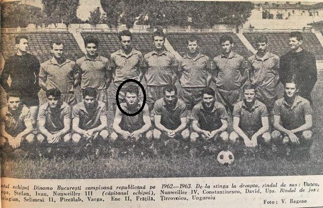 Piți Varga, în centrul imaginii cu echipa campioană a sezonului 1962-1963, Dinamo București. Citiți în componența formației alte nume cunoscute!