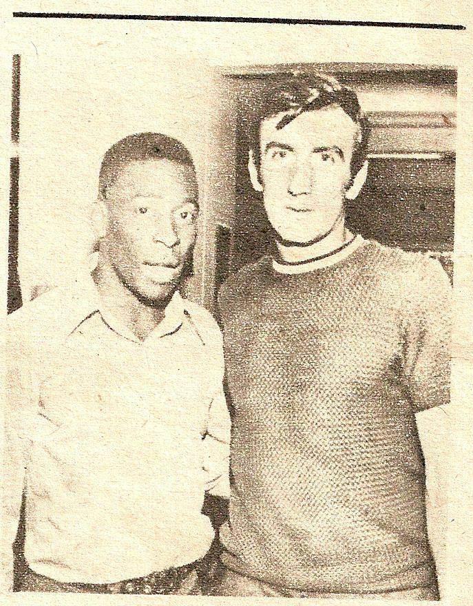 Bujor Hălmăgeanu într-o poză alături de celebrul fotbalist brazilian Pele