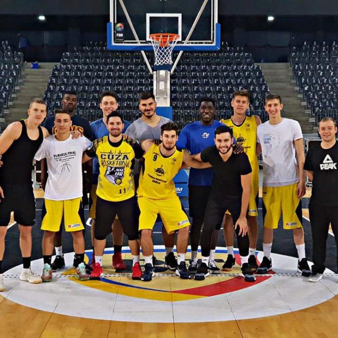 Jucătorii americani de culoare de la Brăila au fost un caz şocant în sportul românesc