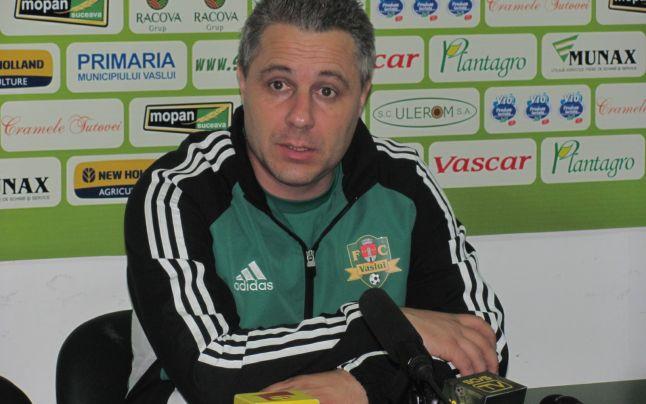 Marius Şumudică în perioada când o antrena pe FC Valsui