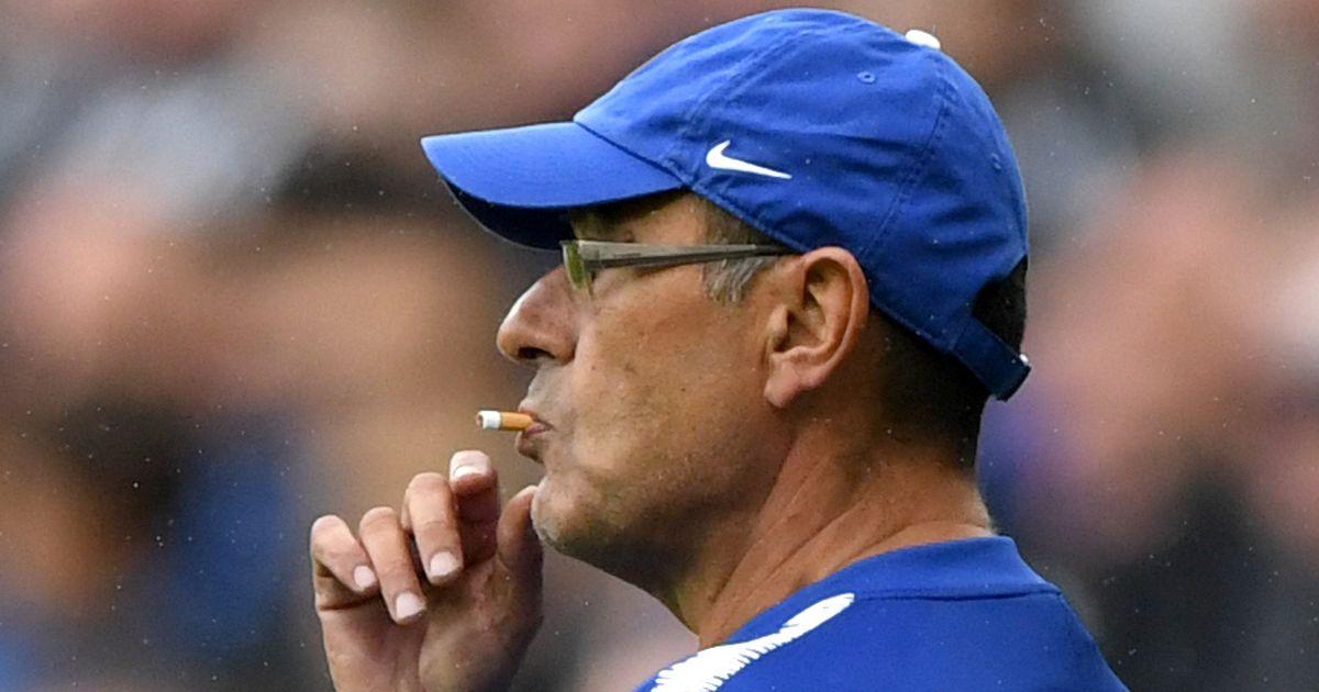 Maurizio Sarri e un exemplu foarte prost pentru jucători. Antrenorul lui Chelsea fumează 40 de țigări pe zi