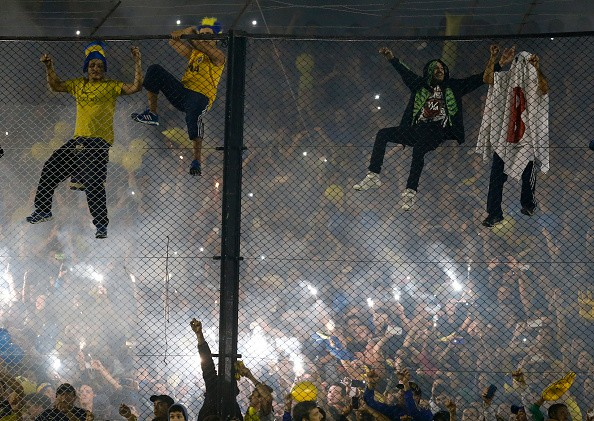 river plate - boca juniors rivalitate. Cea mai mare bucurie pentru fanii Bocăi a fost retrogradarea duşmanului în 2011. Au fabricat marionete în tricoul alb-roşu, cu litera B pe piept
