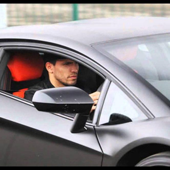 Leo Messi, în top și la cele mai scumpe mașini ale vedetelor! Vezi cum arată top 10. FOTO