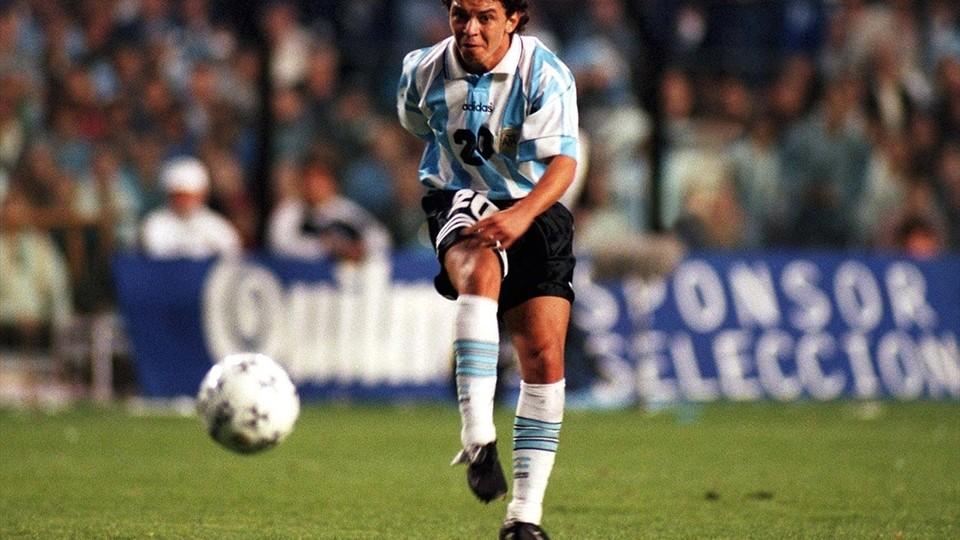 Fundaşii golgeteri. Argentinianul Daniel Passarella a marcat 175 de goluri