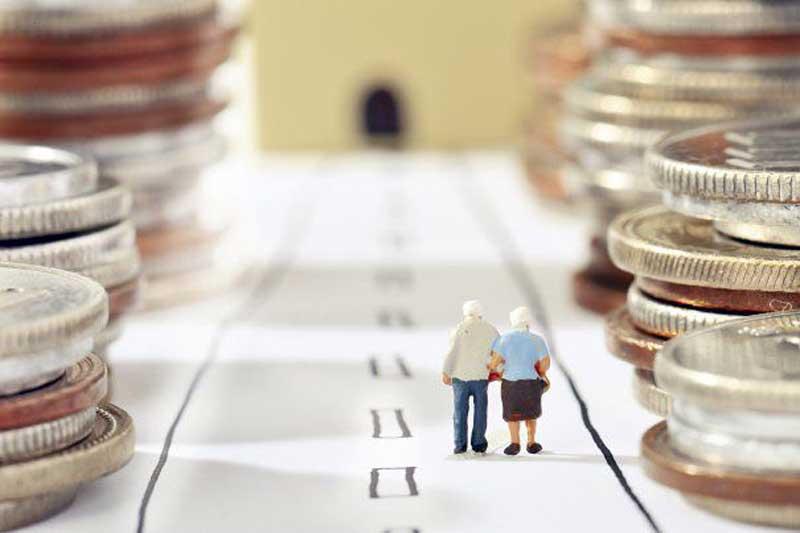 Crește VARSTA de pensionare si veniturile SCAD! Se anunta PROTESTE de amploare