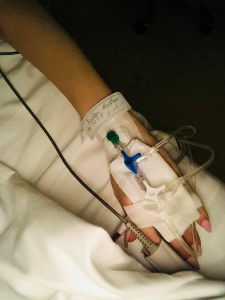 """Prima imagine cu Andreea Bălan, după ce a fost operată a treia oară: """"Acum mă lupt cu durerea!"""""""