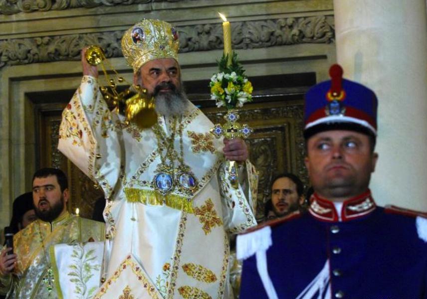 Patriarhul Daniel dă dezlegare la anumite alimente în Postul Paștelui