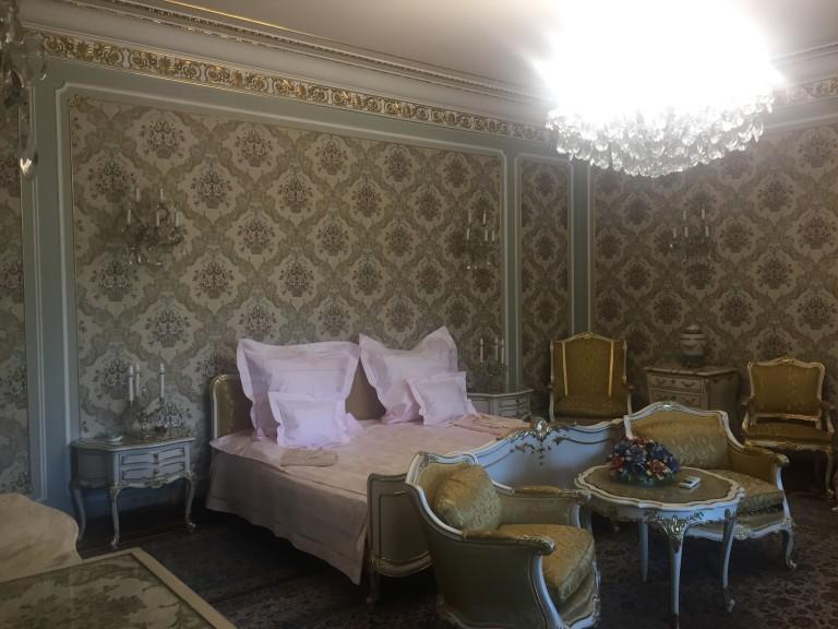 Așa arată dormitorul casei soților Ceaușescu