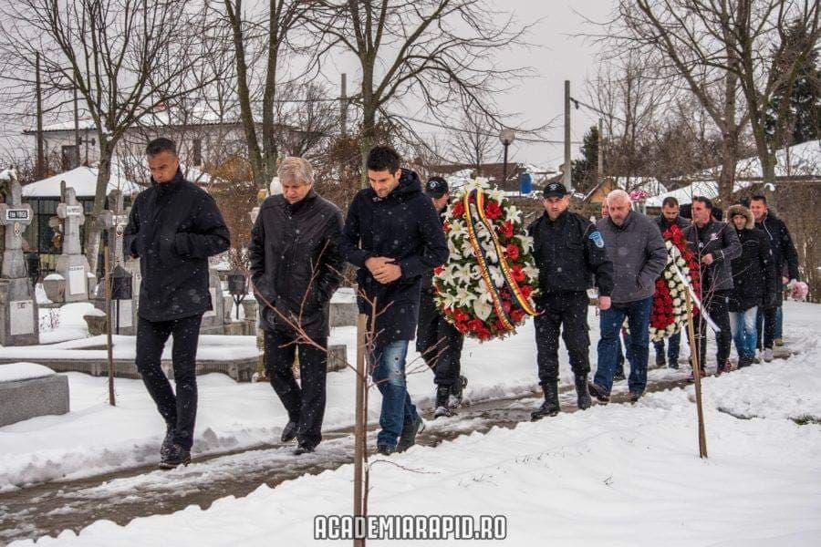 Foşti şi actuali fotbalişti ai Rapidului au venit la înmormântarea lui Mario Bugeanu