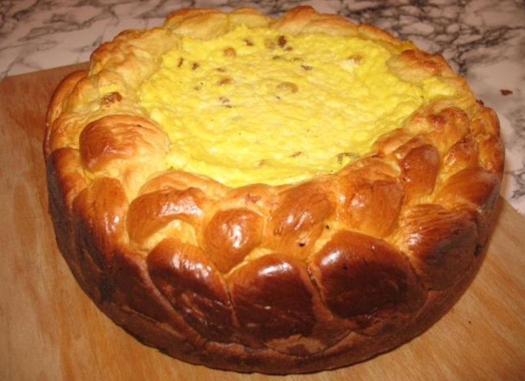Pasca făcută după rețeta călugărilor de la Mănăstirea Neamț este desertul perfect pentru masa tradițională de Paște. Este ușor de preparat și deosebit de gustoasă
