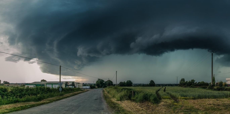 ALERTA METEO! Ciclonul ajunge AZI in Romania! Jumatate de tara, afectata