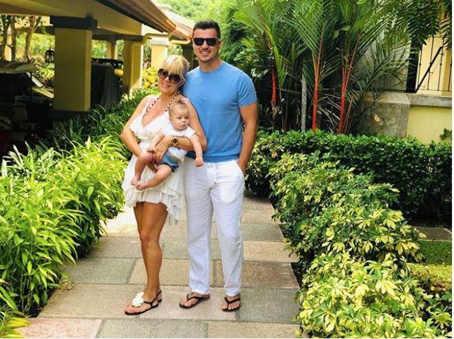 Cum trăieşte Elena Udrea în Costa Rica!