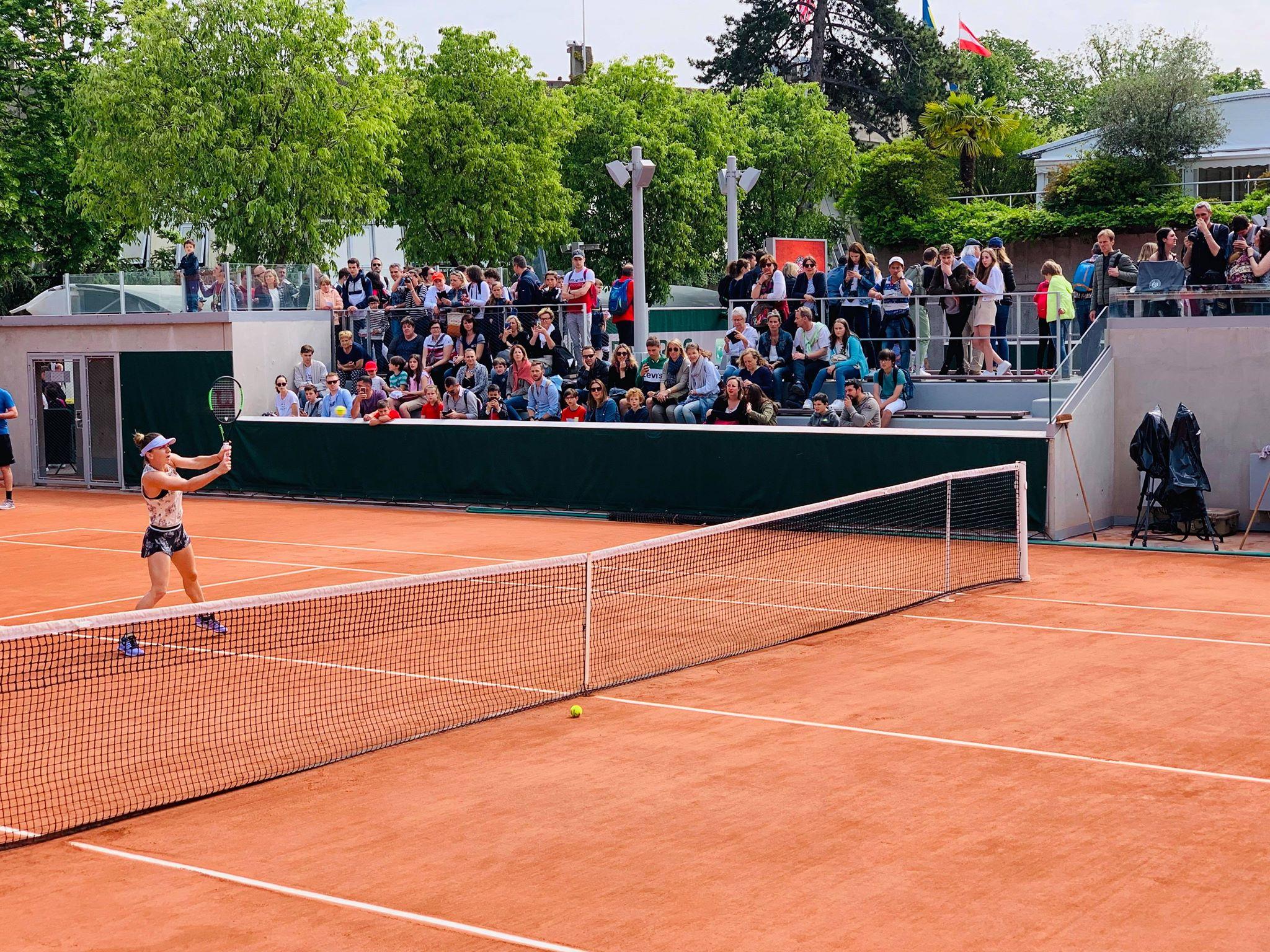 Live Blog Simona Halep la Roland Garros 2019. Simona Halep se antrenează alături de Kasatkina! A umplut tribunele la Paris. FOTO