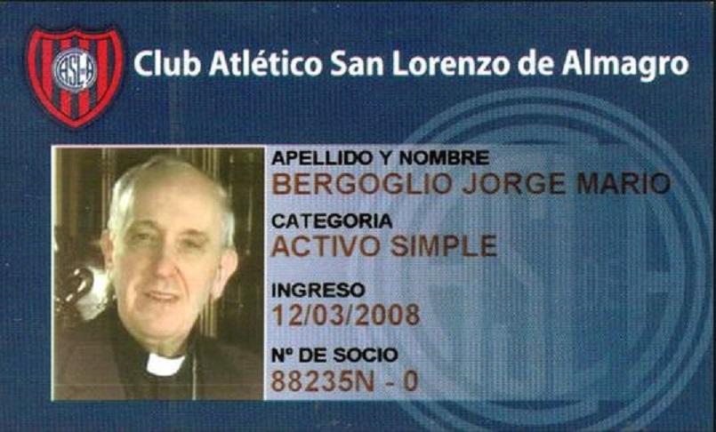 """Papa Francis are carnet de """"socios"""" al echipei San Lorenzo din Superliga argentiniană. Cu cotizația plătită la zi! Sursa foto: telekomsport.ro"""