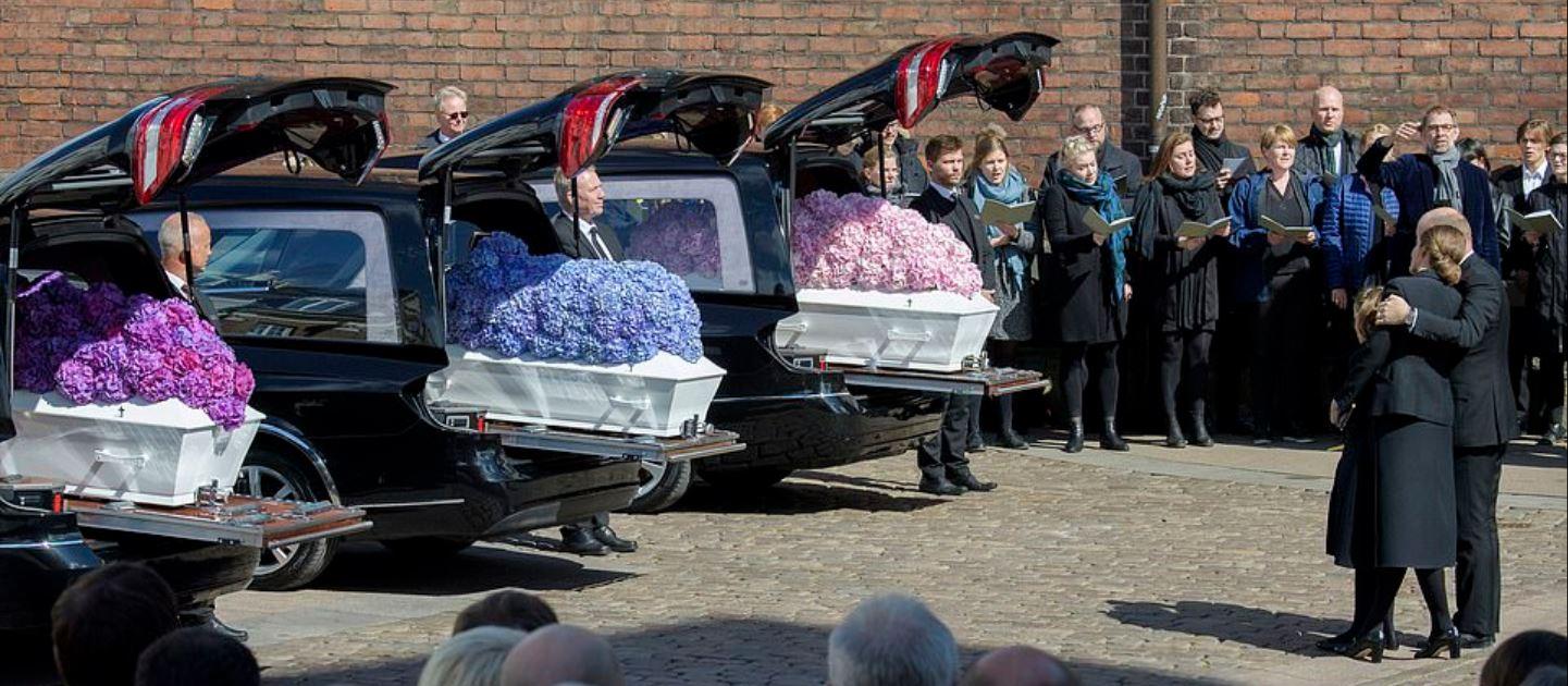 Imagini răvășitoare. Patronul ASOS și-a înmormântat cei 3 copii uciși în atacurile teroriste din Sri Lanka. FOTO