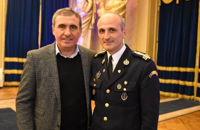 Steaua, invitat surpriză la 33 de ani de la câştigarea Cupei Campionilor Europeni! Gică Hagi, alături de Florin Talpan! Ce cadou de senzaţie a primit juristul Armatei. GALERIE FOTO (12)