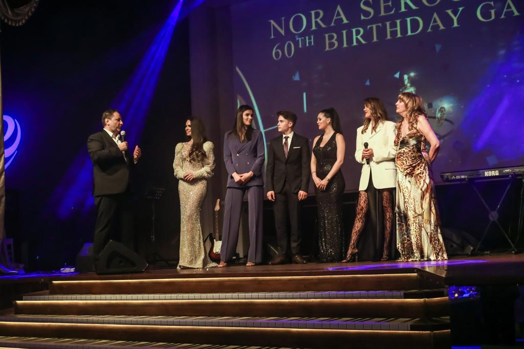 de la stanga la dreapta: Eduard Irimia; Andreea Lazar ( loulou ); Roxana Paraschivoiu; Gabriel Anton; Sara Al Attar; Emiliana Burghelea; Nora Seroussi