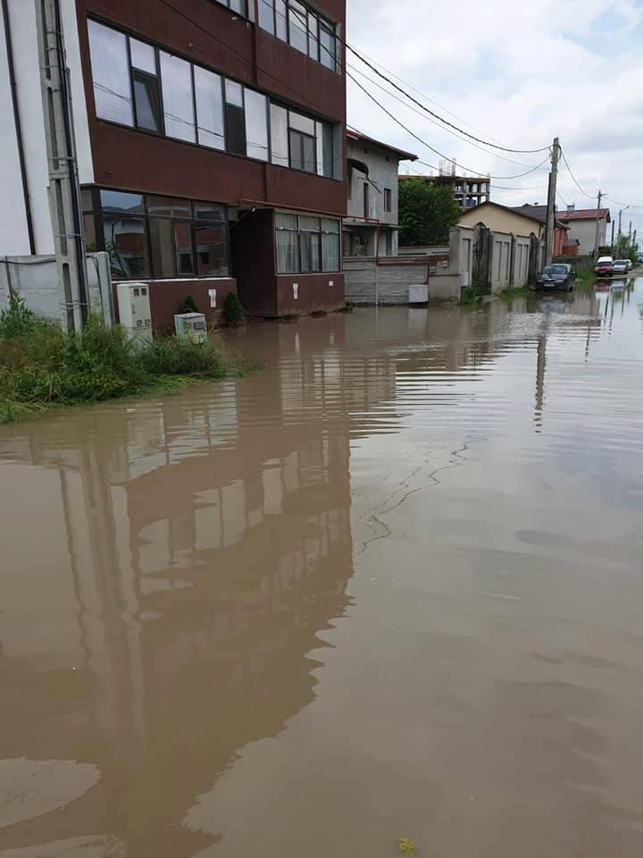 Inundații în Bragadiru, județul Ilfov *foto: facebook