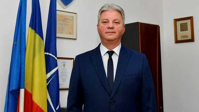 Comandantul Pompiliu Bixi-Mocanu este pregătit să dea un restart echipei de fotbal de la CSA Steaua şi vrea să îi convingă pe Edi şi pe Anghel Iordănescu să semneze cu formaţia militară