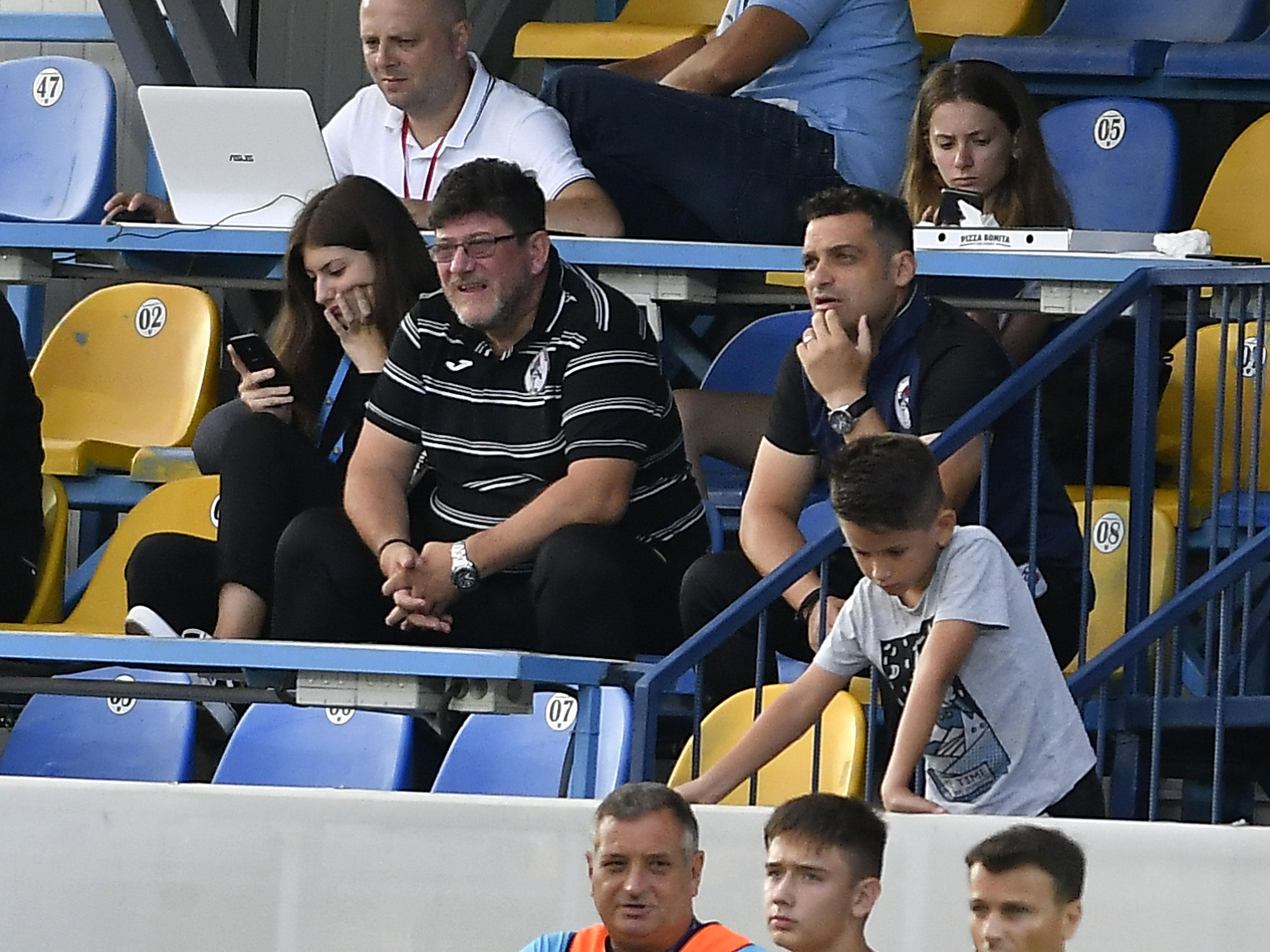 Gaz Metan iese din insolvență? Administratorul voia echipa în faliment! FOTO: Nabil Jaadi si Antoni Valeri Ivanov in meciul de fotbal dintre Dinamo Bucuresti si Gaz Metan Medias, din cadrul playout-ului Ligii 1 Betano