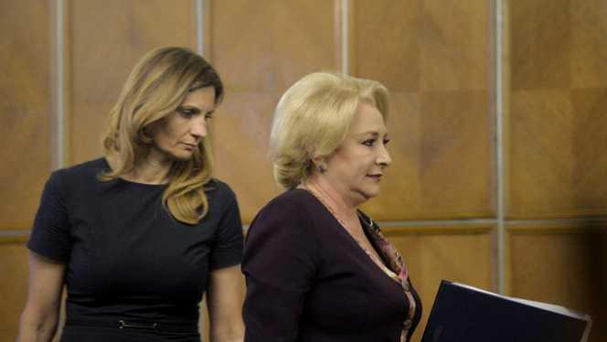 Viorica Dăncilă a dat-o afară pe Anca Alexandrescu după ce ar fi insultat-o *foto: adevarul.ro