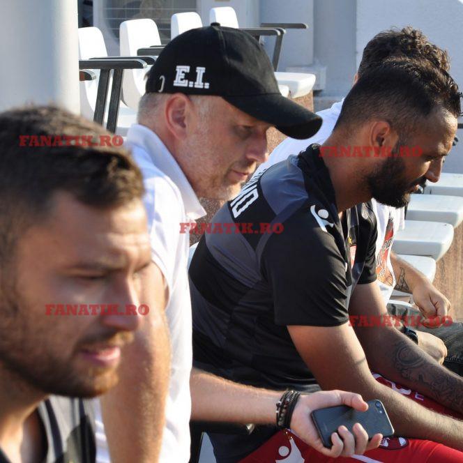 Edi Iordănescu, alături de dinamoviştii Răuţă şi Bejan la un meci în cantonamentul din Spania