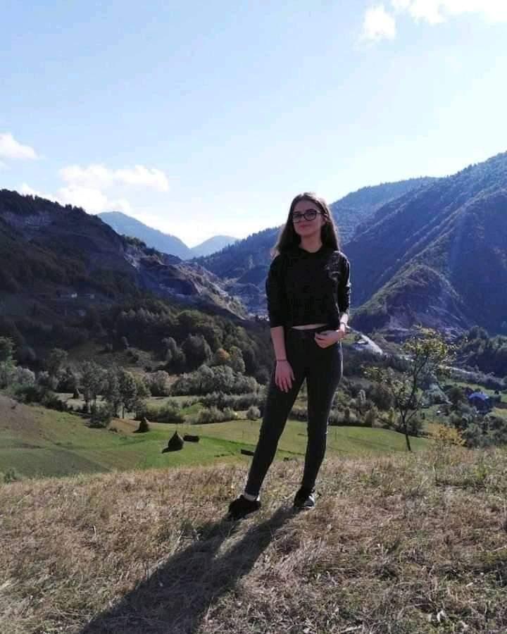 Există șanse ca Alexandra Măceșanu să fie încă în viață. Sursa foto: Facebook
