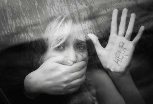 În România s-au înregistrat anul trecut 2.5 cazuri de viol pe zi