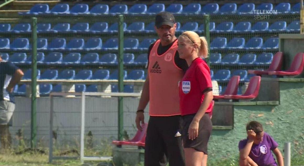 Alina Peşu cea mai frumoasă femeie arbitru din România (sursă foto: Telekom Sport)