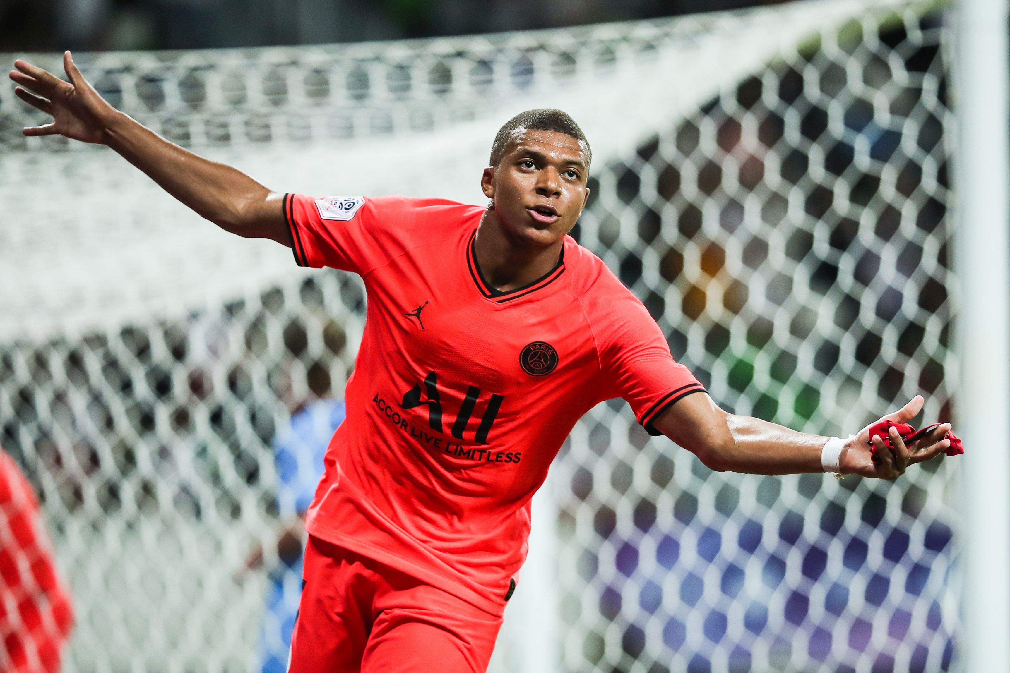 Kylian Mbappe este pe primul loc în top 20 cei mai bine cotaţi fotbalişti din lume (sursă foto: hepta.ro)