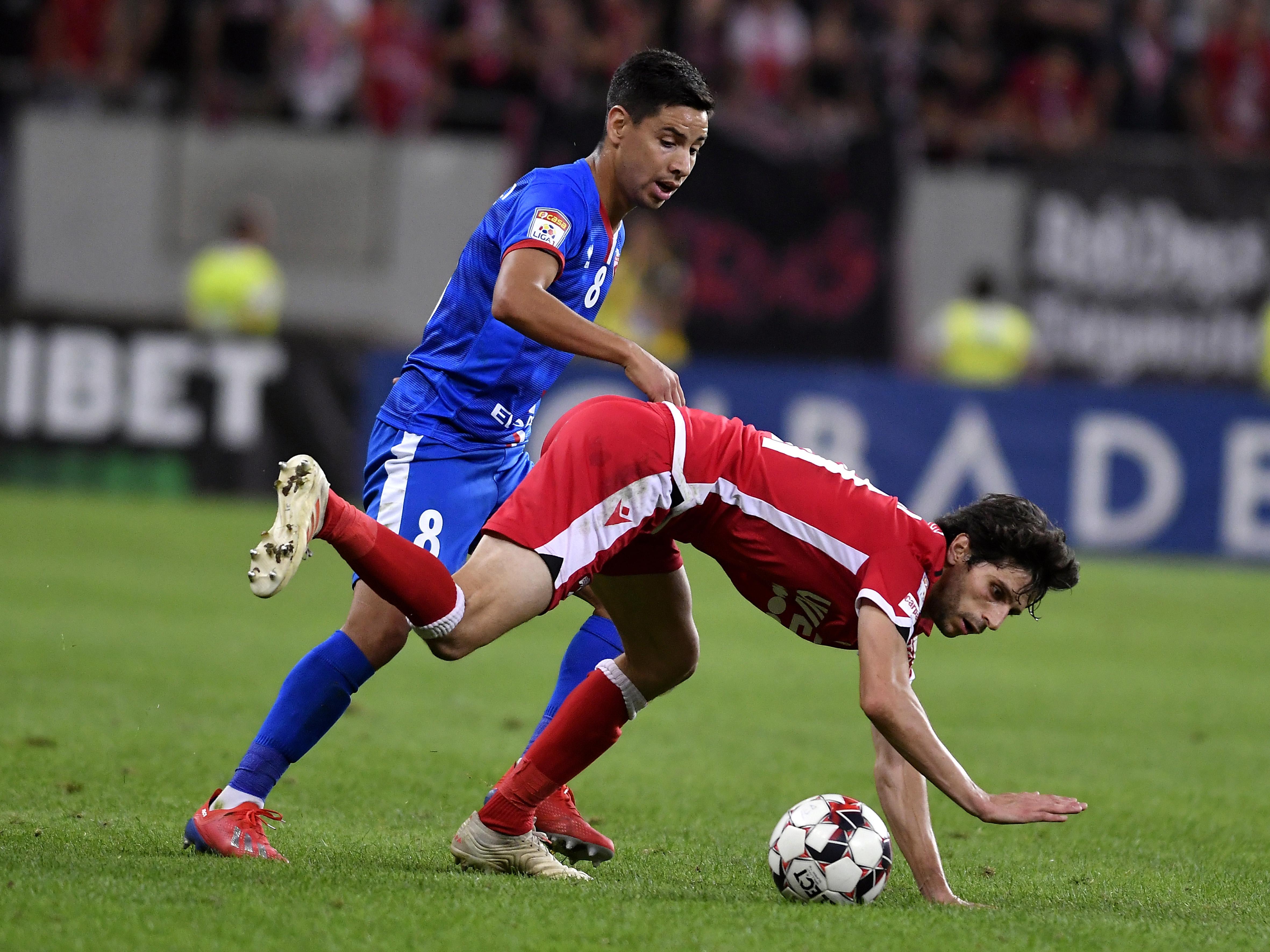 Jonathan Rodriguez și Mattia Montini în meciul Dinamo - Botoșani. Sursă foto: sportpictures.eu
