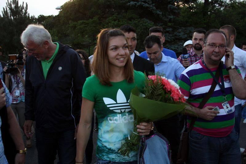 Răzvan Ionașcu alături de narea noastră campioană la tenis Simona Halep. Sursa foto: facebook