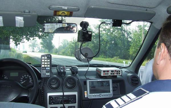 Un șofer din Iași a fost prins de radar cu 166, respectiv 236 km/h