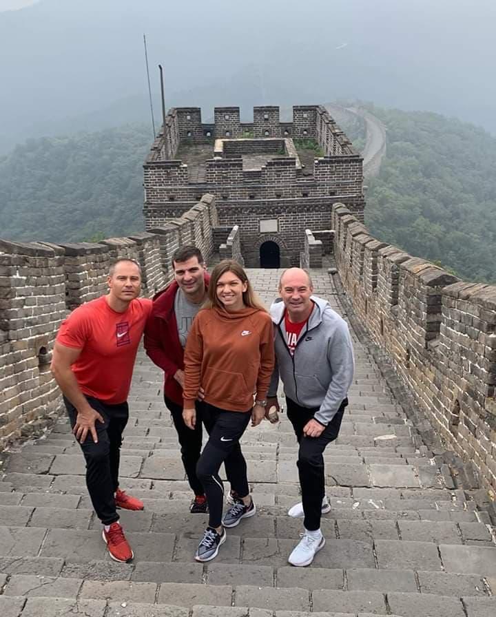 Simona Halep a deschis șampania la Marele Zid Chinezesc! Și-a sărbătorit ziua de naștere alături de iubit și de staff. EXCLUSIV (10)