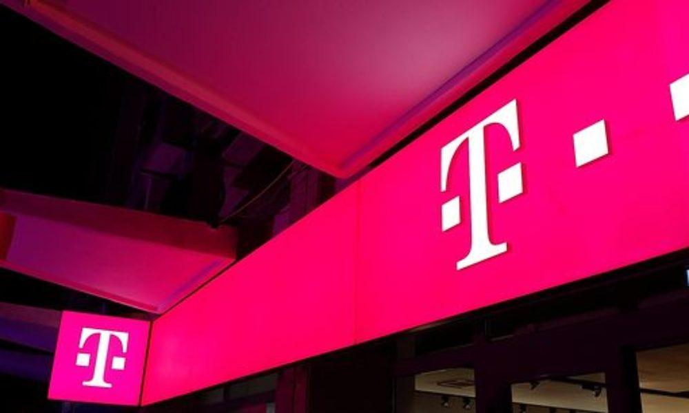 Telekom Romania introduce în oferte o aplicaţie de control parental. Telekom România