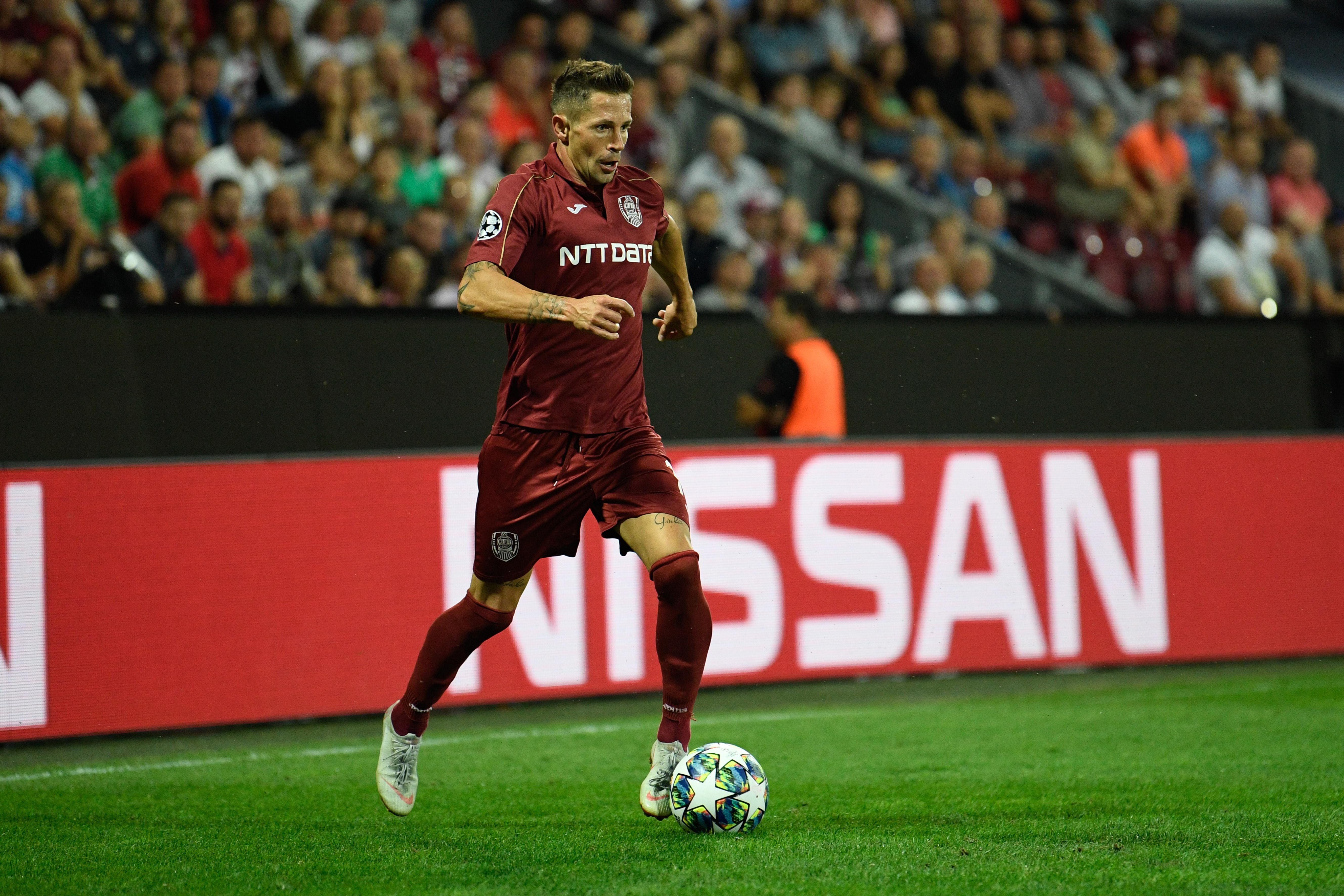 Ciprian Deac în meciul jucat de CFR Cluj în play-off-ul Champions League cu Slavia Praga. Sursă foto: sportpictures.eu