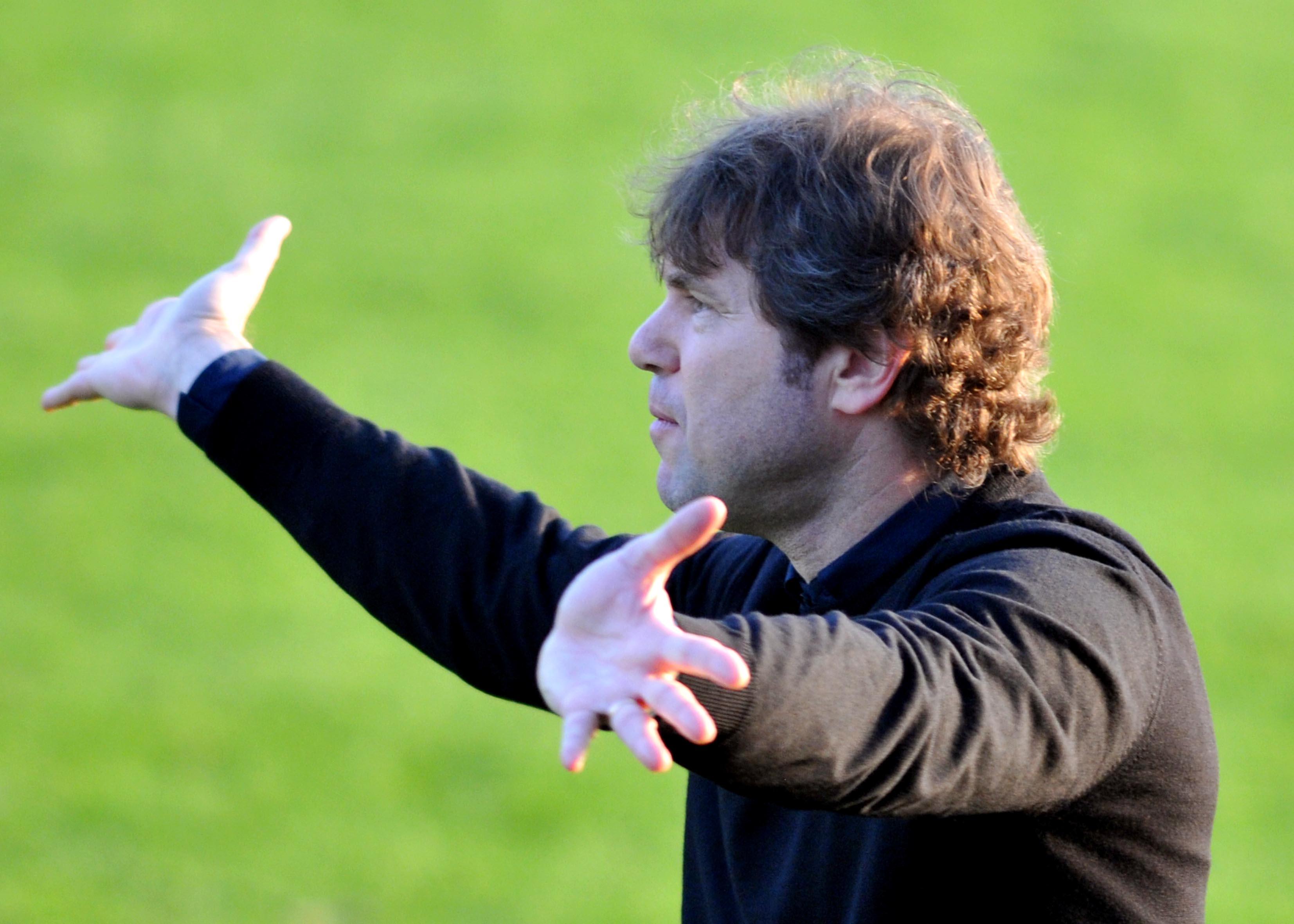 Florin Raducioiu consideră că omul de afaceri Claudiu Florică ar fi varianta ideală pentru Dinamo. Sursă Foto: Sportpictures
