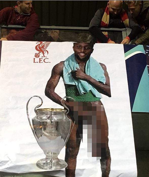 Bannerul fanilor lui Liverpool. Sursă foto: daily mail.co.uk