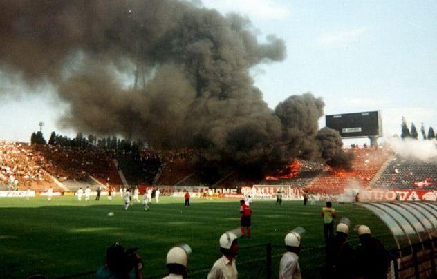 10 mai 1997, ziua în care fanii lui Dinamo au dat foc peluzei din Ghencea