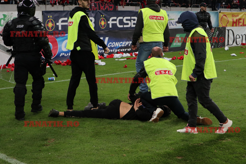 Filmul incidentelor dure din FCSB - Dinamo 1-1