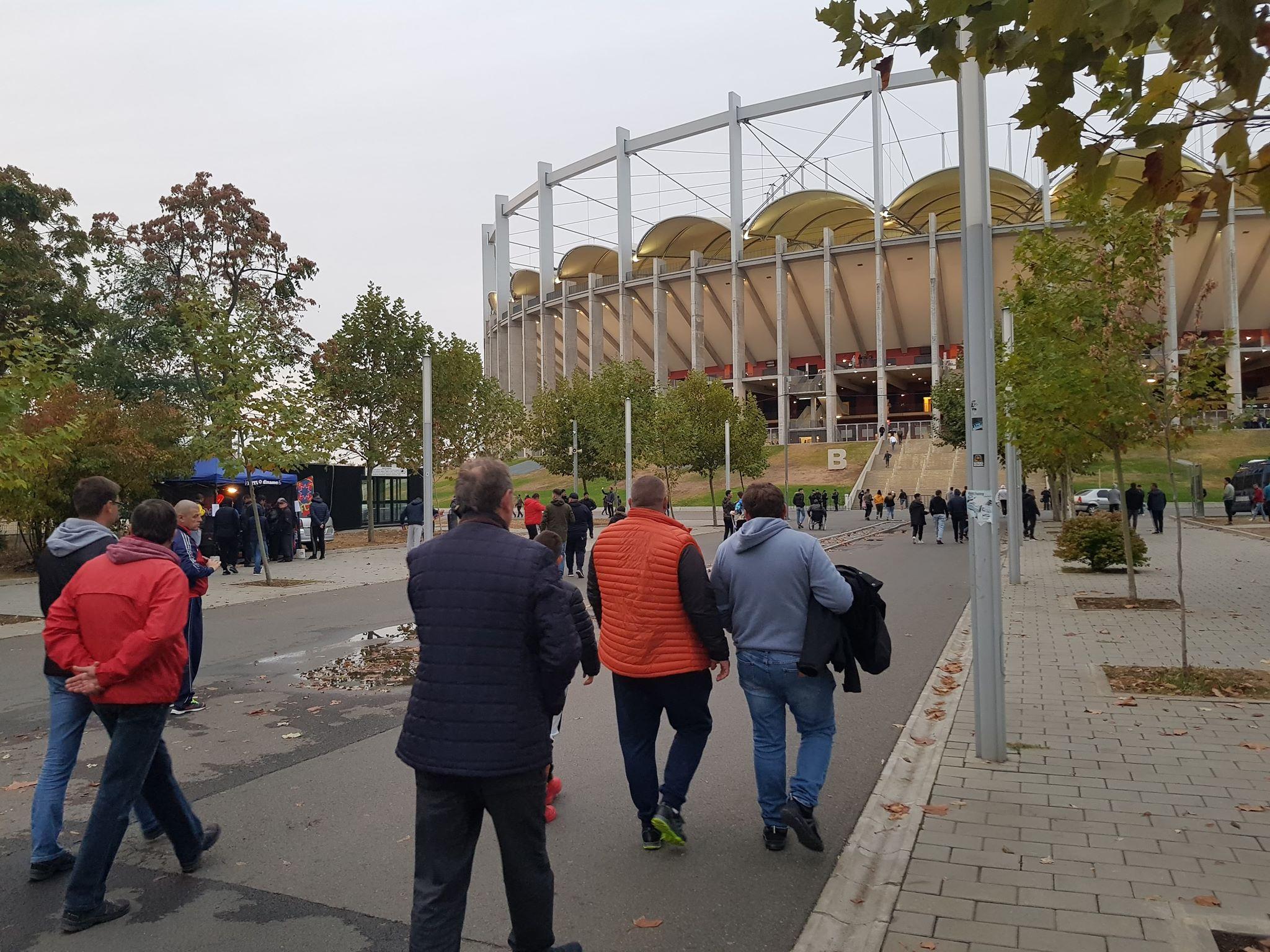 Ne-a fost dor! FCSB - Dinamo, derby-ul pe care toți l-am dorit! Momentul emoționant cu ultrașii celor două echipe, artificii pe teren și controversele de la final