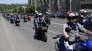 Șoferii cu permis de categorie B vor putea conduce și motociclete