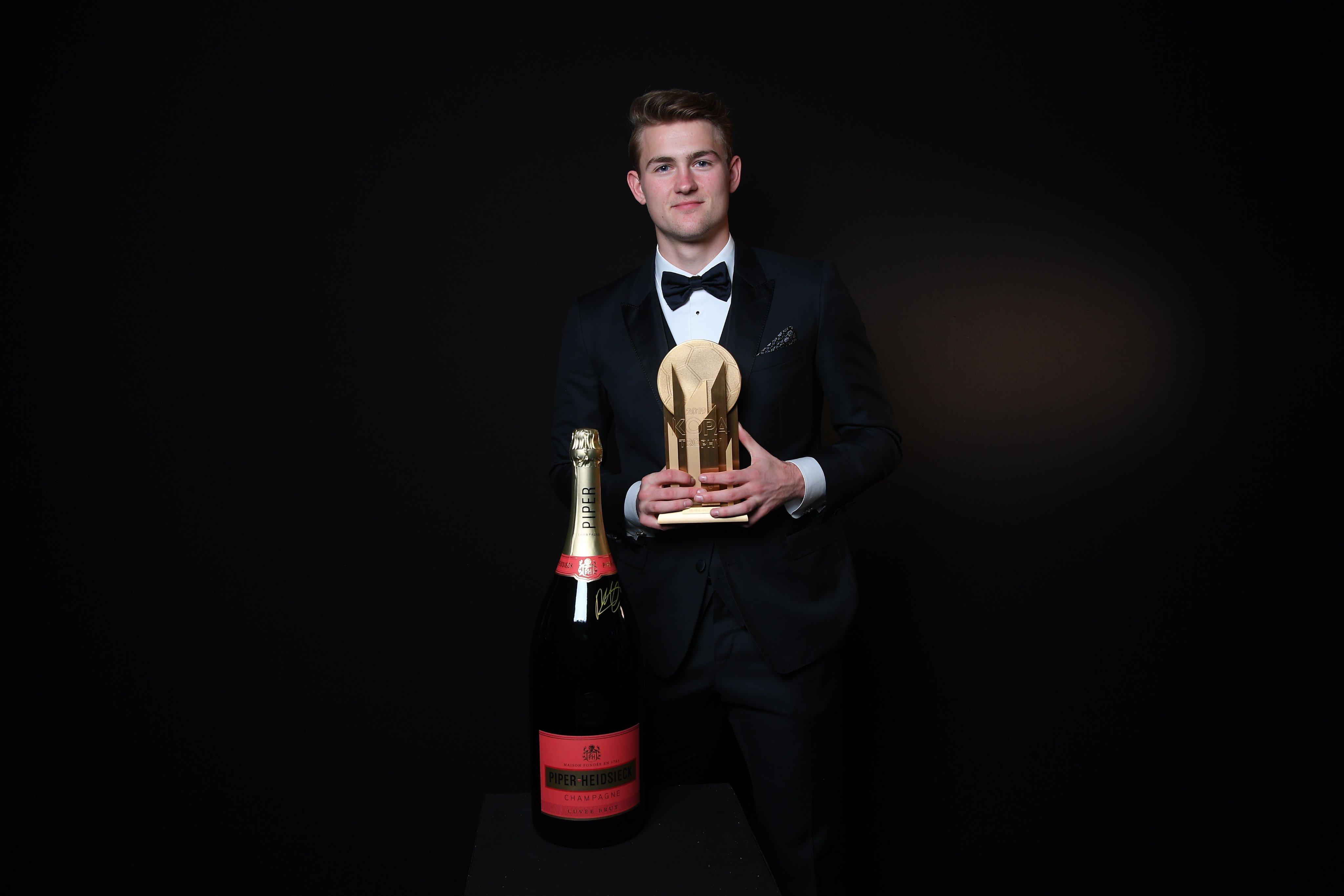 Matthijs de Ligt, cel mai bun tânăr jucător din 2019. Sursă Foto: Twitter
