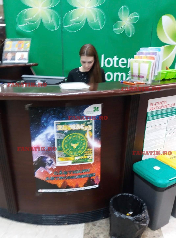 Punctul Loto din sediul central al Loteriei Române, miercuri dimineață: vânzătoarea nu are mască și nici mânuși de protecție sau dezinfectant