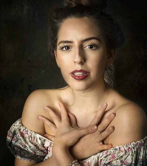 Actrița Ada Dumitru (sursa www.facebook.com)
