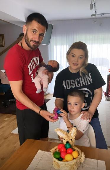 Dragoș Grigore, alături de familie. FOTO: FRF